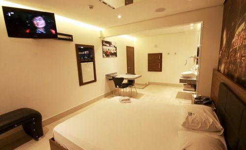 Conheça a suíte Luxo e garanta a sua reserva já no Caribe Motel!